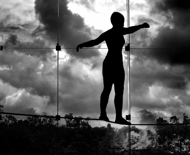 Câteva exerciţii pentru îmbunătăţirea echilibrului